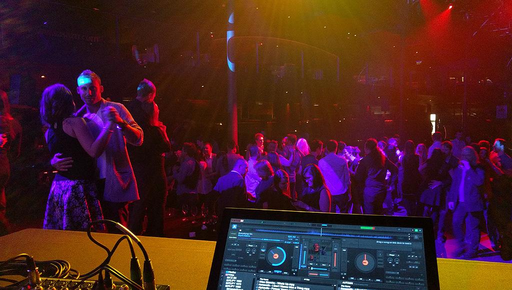 DJ Jirka Březina Sasazu Praha diskotéka DJ na firemní večírek párty